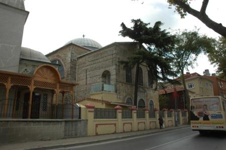 Uskudar---Carsi---Kuzguncuk-Surp-Kirkor-Lusavoric-Ermeni-Kilisesi-Vakfi_1341931037